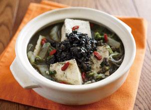 黒ごま坦々豆腐鍋